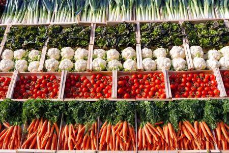 多くのスーパー マーケットで shelfes 野菜