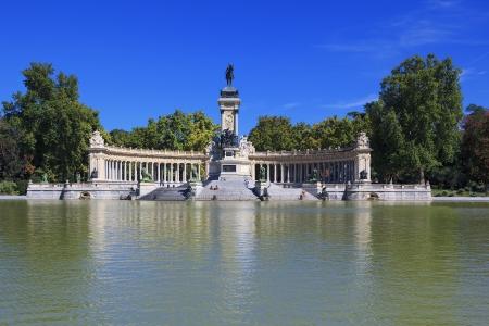 parque del buen retiro: Monument to Alfonso XII in the Parque del Buen Retiro Park of the Pleasant Retreat in Madrid, Spain  Stock Photo
