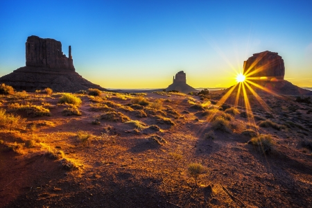 Sunrise at Monument Valley, USA