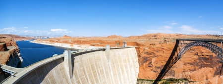 high dynamic range: Panoramic view of the Glen Dam and bridge in Page, Arizona, USA