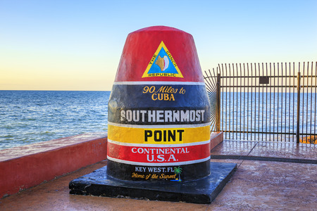 最南端のポイントをマーキング フロリダ ブイ記号 写真素材