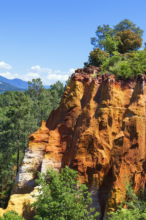 roussillon: Red Cliffs in Roussillon (Les Ocres), Provence, France  Stock Photo