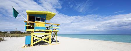lifeguard tower: Colorful Lifeguard Tower in South Beach, Miami Beach, Florida