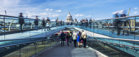 st pauls: the Millennium footbridge looking towards St. Pauls Cathedral, panoramic view.