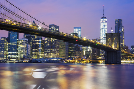 manhattan bridge: Brooklyn bridge at dusk, New York City