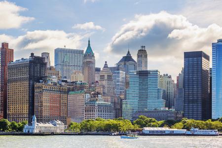 church: Ciudad de Nueva York con Manhattan Skyline sobre el río Hudson
