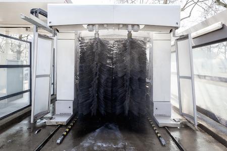 rouleau: Car during washing process