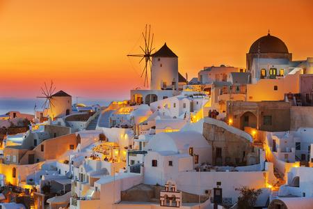 Oia bij zonsondergang, Santorini Stockfoto