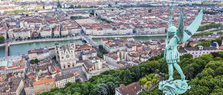 View of Lyon from the top of Notre Dame de Fourviere, France Banque d'images