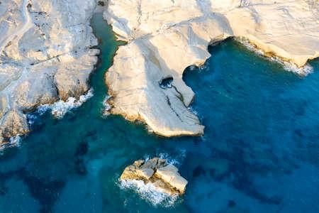 aerian view of Sarakiniko beach, MIlos, Greece 免版税图像