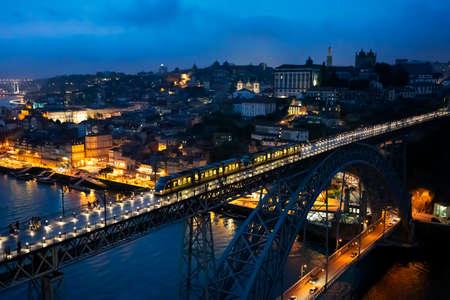 Famous bridge Luis I by night, Porto, Portugal, Europe 免版税图像