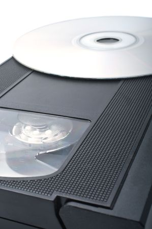 videokassette: Videokassette und digital Disc isolated on white Background.Shallow Depth of Field.