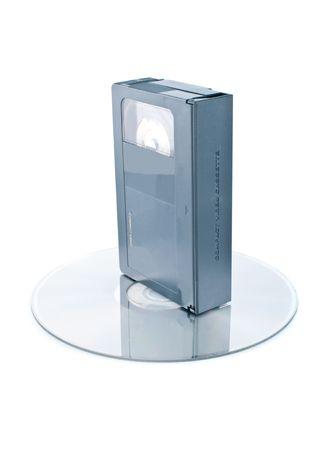 videokassette: Kompakte Videokassetten und digital Disc isolated on white background