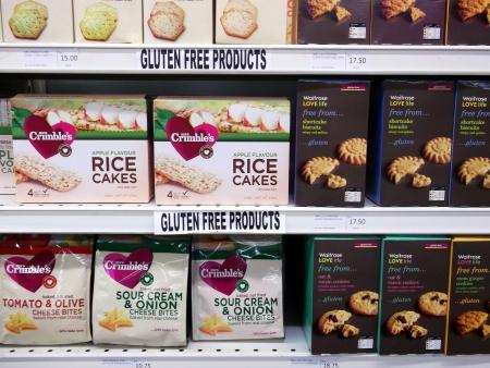 tiendas de comida: Productos sin gluten, expuestas en una tienda