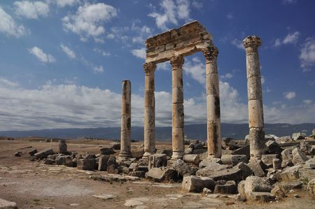 syria: Apameia oder Apameia war ein Schatz Stadt und Stud-Depot von der Seleukidische K�nige, war Hauptstadt der Apamene auf dem rechten Ufer des Flusses Orontes. Lizenzfreie Bilder