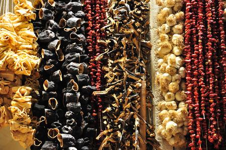 frutas secas: Grupo de los frutos secos hanf aconsejado y se deja secar