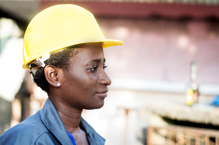 Portrait of a young worker in her workplace. Banque d'images - 111828845