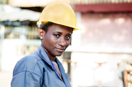 Portrait of a young worker in her workplace. Banque d'images - 111828846
