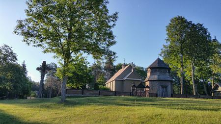 Paluse 나무 교회 리투아니아에서 Aukstaitija 국립 공원에서.