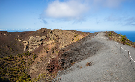 Panoramic view. Enclosed path along the edge of a volcanic crater. Ultra High resolution. Island La Palma Ð¡anaries. 版權商用圖片