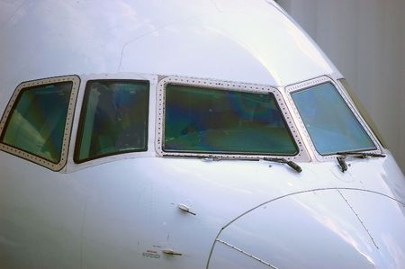 front view of airliner
