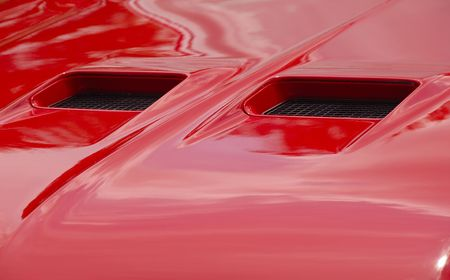 hood scoops on classic automobile