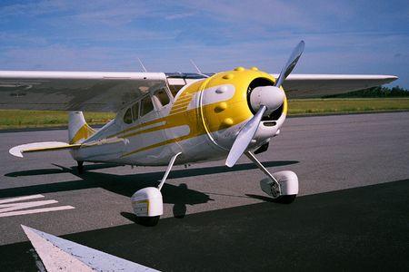 classic propeller aircraft Banco de Imagens - 5180932