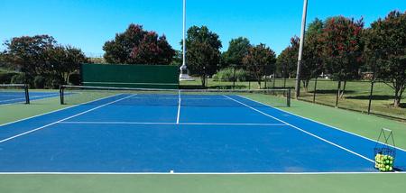 Court de tennis en plein air Banque d'images - 83476341