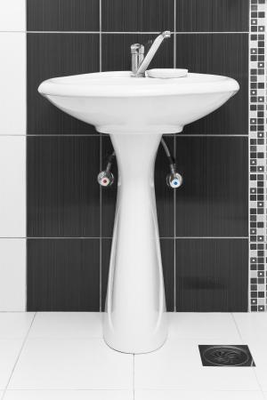 basin: Ceramic washing sink