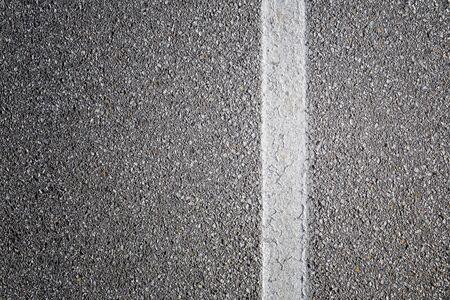 Ligne blanche sur le fond de la route Banque d'images