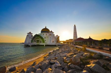 Masjid selat melaka malaysia