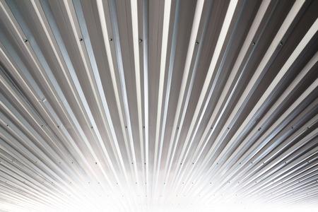 wit licht gegolfd metalen structuur oppervlak of galvaniseren staal achtergrond Stockfoto