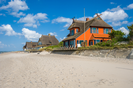 Holiday cottage on the peninsula and nature reserve Graswarder in Heiligenhafen at the Baltic Sea Banque d'images