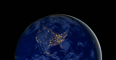 De Verenigde Staten van Amerika lichten tijdens nacht op aangezien het van ruimte lijkt.
