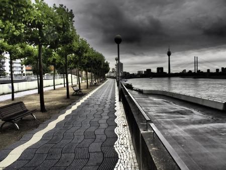 promenade: promenade