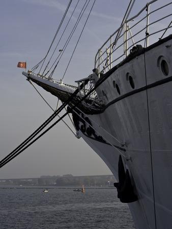 gable house: sailing ship