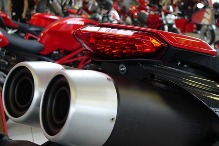 exhaust system: motorcycle