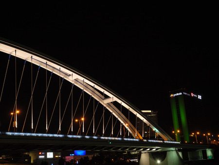 bridge at night 版權商用圖片