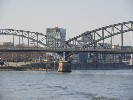 bridge in cologne Redakční