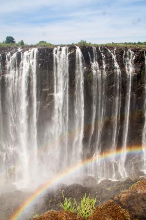 zimbabwe: Victoria Falls con arco iris, Zimbabwe