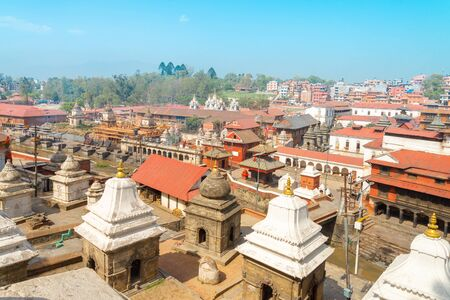 The Pashupatinath Temple is a famous   Located  on the banks of the Bagmati River in Kathmandu, Nepal. 免版税图像