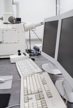 sem: Scanning Electron Microscope (SEM) machine in cleanroom
