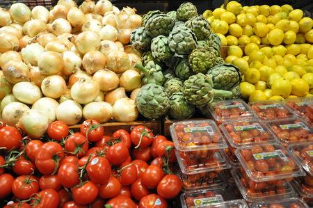fresh fruits in supermarket