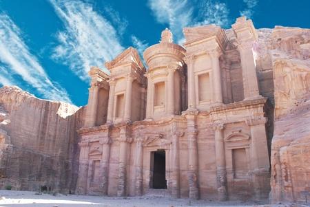 antik: remains of an ancient temple in Petra, Jordan  Stock Photo