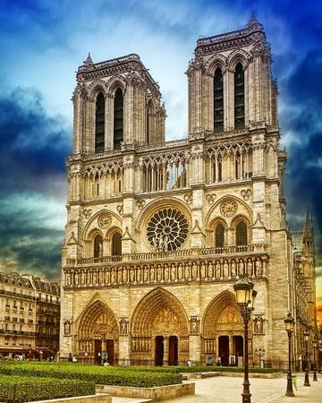 cath�drale: Cath�drale de Notre-Dame-de- Banque d'images