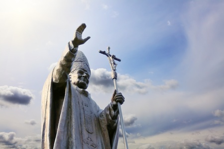 beatification: Statue of Pope