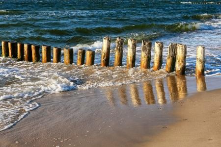 pales: Wooden breakwater