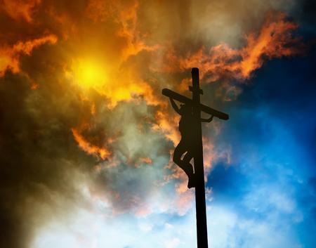 resurrección: Jesús en la cruz Foto de archivo