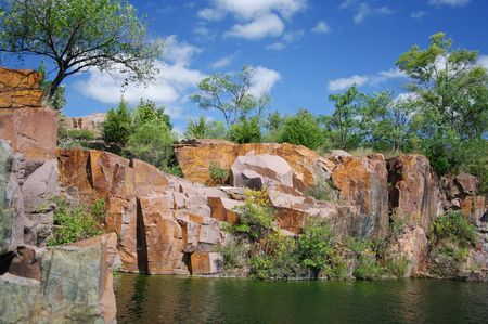 Red Granite: This quarry in Montello, Wisconsin supplied granite for the tomb of U. S. Grant after an extensive search and comparison with samples from 280 other sites concluded that Montello granite was the strongest and finest in the world. Stock fotó - 8263918