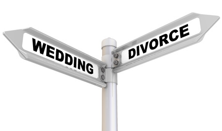 Road sign with black words WEDDING and DIVORCE. Isolated. 3D Illustration Stock fotó